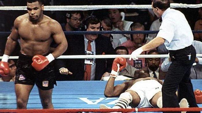 Mike Tyson Bayangkan Lawan Muhammad Ali, Bakal Habiskan 15 Ronde