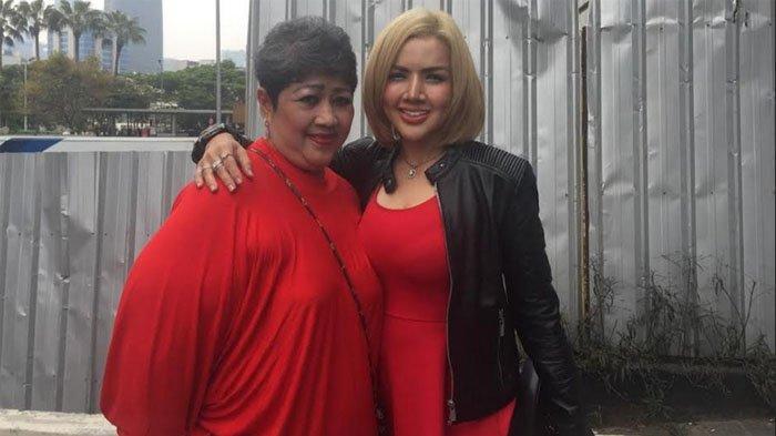 Barbie Kumalasari dan Fadela ibunya saat ditemui di kawasan Tendean, Jakarta Selatan, Rabu (18/9/2019).
