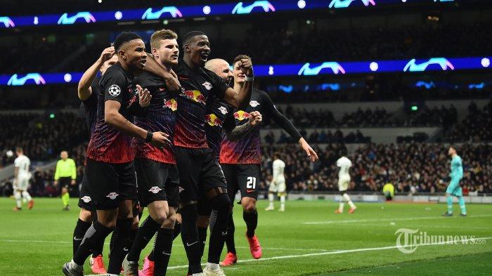 Para pemain RB Leipzig merayakan gol Timo Werner ke gawang Tottenham Hotspur dalam pertandingan Babak 16 besar Liga Champions di Tottenham Hotspur Stadium, London, Rabu (19/2/2020). Tuan rumah Tottenham Hotspur harus menelan kekalahan atas tamunya RB Leipzig 0-1. AFP/ADRIAN DENNIS