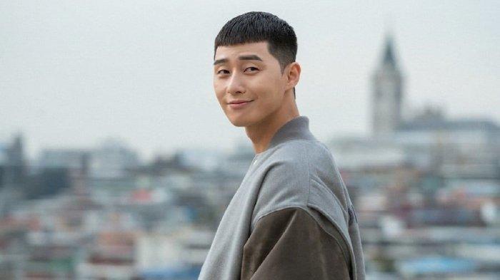 Aktif di YouTube, Park Seo Joon Jadi Aktor Korea Pertama yang Peroleh Gold Play Button