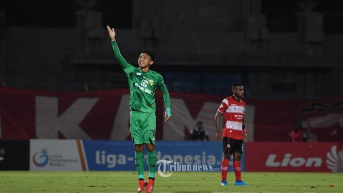 MU VS Bhayangkara FC di stadion gelora Bangkalan Madura, Jumat (22/11/2019). SURYA/Sugix Harto