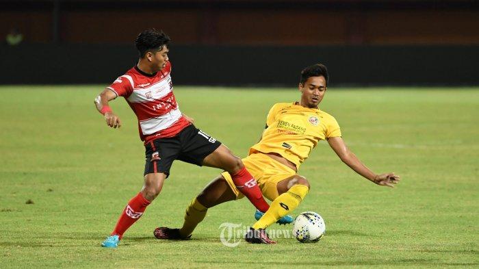 MU VS Semen Padang, pertandingan berakhir 1 - 1 di Gelora Ratu Pamelingan, Rabu (28/8/2019). SURYA/SUGIX