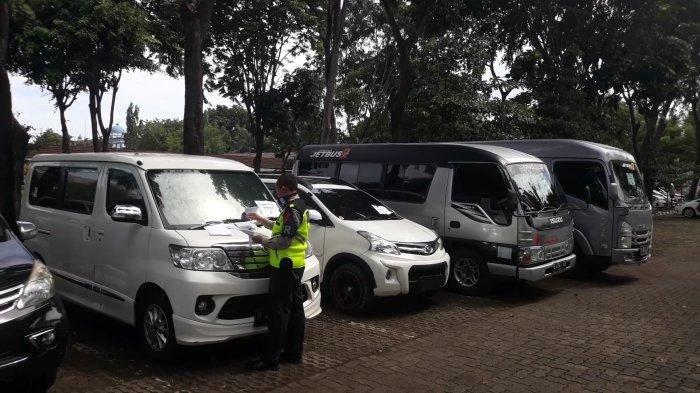 Transportasi Umum yang Terjaring Penyekatan Diminta Kembalikan Penumpang ke Tempat Asal