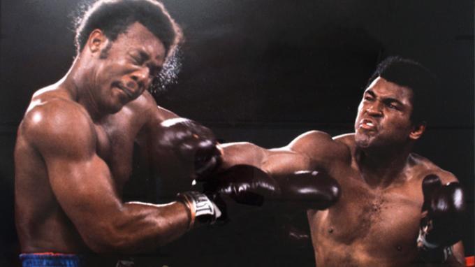 FBI Curigai Gelar Juara Dunia Pertama Muhammad Ali