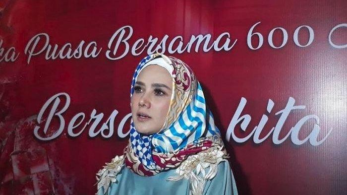 Safeea Belum Diperbolehkan Mulan Jameela Kenakan Jilbab Mungilnya