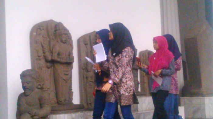 Pengunjung Museum Indonesia