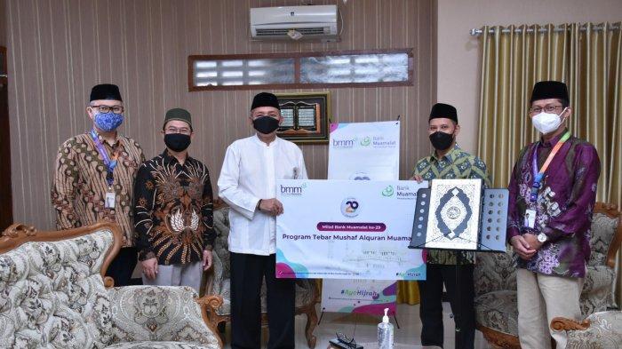 Milad ke-29, Bank Muamalat dan BMM Distribusikan Al Qurán ke Nasabah Pengelola Pesantren