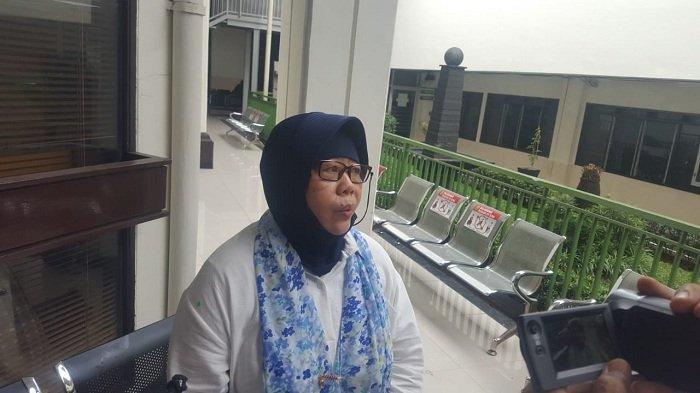 Nani Sadili, kakak kandung almarhum Edi Candra Purnama alias Pupung di Pengadilan Negeri Jakarta Selatan, Senin (15/6/2020).
