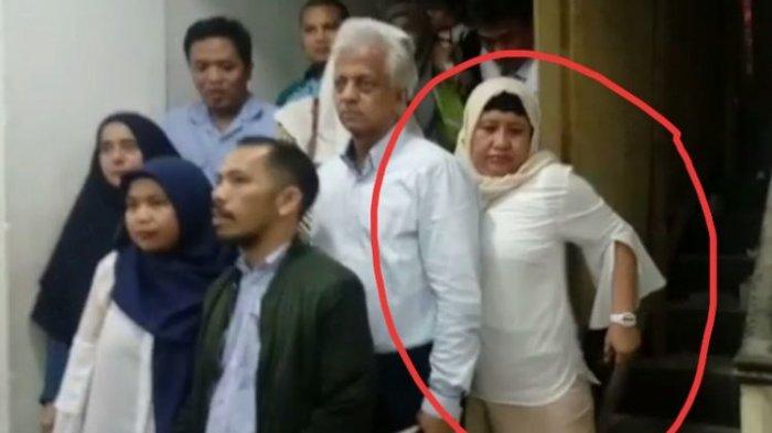 Setelah Jadi Saksi Kasus Hoax Ratna Sarumpaet, Nanik S Deyang Kabur dari Kejaran Wartawan