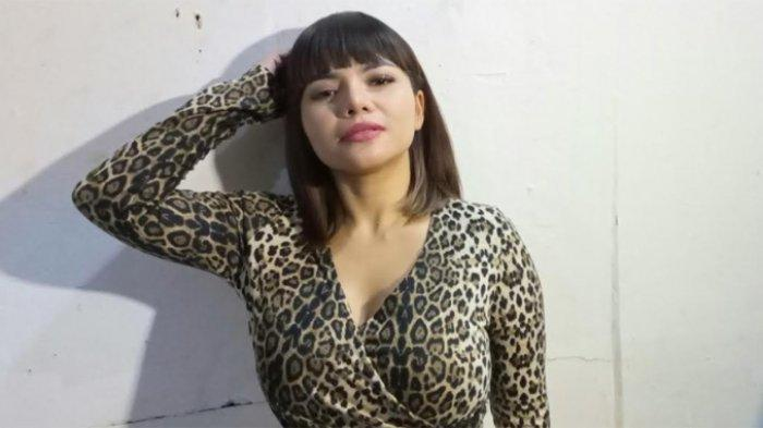 Dinar Candy Ditegur karena Bermesraan, Pangku-Pangkuan dengan Pria, Ayahnya Sampai Istigfar