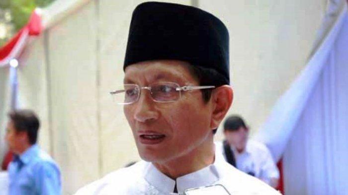 Umat Muslim yang Salat Berjemaah Diimbau Jaga Jarak 2 ...