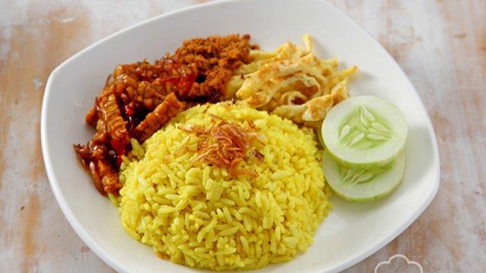 Cara Masak Nasi Kuning Cuma dengan Rice Cooker, Gampang Banget!