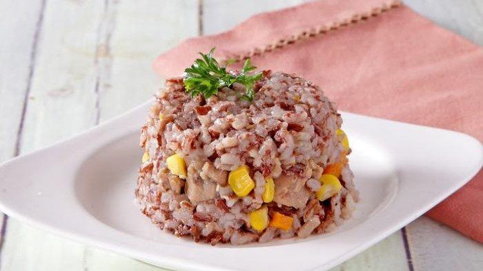 Salah satu contoh masakan yang terbuat dari beras merah