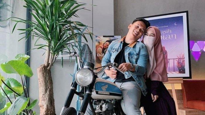 Natta dan Wardah Maulina, duet penulis novel laris 'Kekasih Impian'.