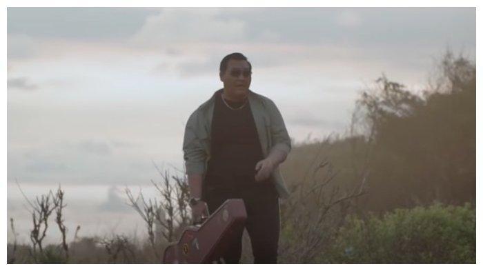 Lirik Lagu dan Chord Mendung Tanpo Udan - Ndarboy Genk, Kunci dari C