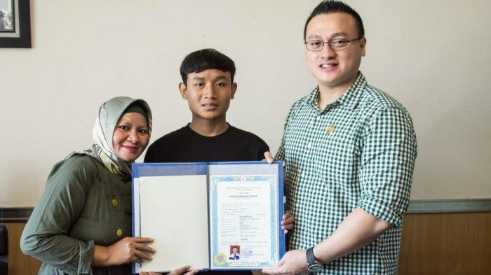 Hardiyanto Kenneth Tebus Ijazah Siswa Tak Mampu di Tambora