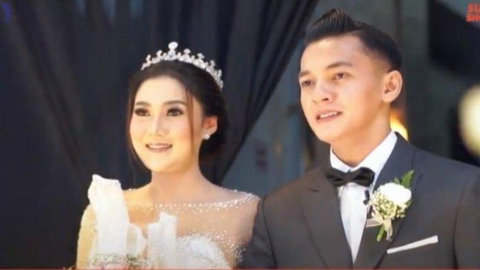 Foto pernikahan Nella Kharisma dan Dory Harsa
