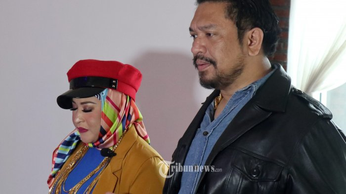 Sukses dengan single pertamanya yang berjudul TAK TAU DIRI, Neng Wirdha anak dari ratu dangdut Elvi Sukaesih dan istri dari Pengacara Kondang Zecky Alatas, kembali luncurkan single PLAYER, Sabtu (4/5/2019), berlangsung di  Waroeng Makita , Jalan KH. Abdullah Syafei No.26, RT.1/RW.1, Kb. Baru, Tebet, Kota Jakarta Selatan. TRIBUNNEWS.COM/FX ISMANTO