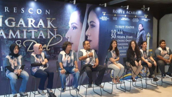 Para pemain Akhir Kisah Cinta Si Doel saat melakukan jumpa pers di kawasan Duren Tiga Jakarta Selatan, Selasa (14/1/2020).