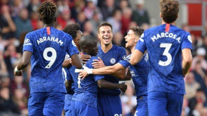 N'Golo Kante merayakan selebrasi bersama pemain Chelsea