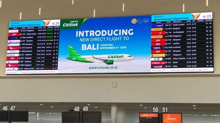 Papan promosi di Bandara Internasional Ngurah Rai Bali memperlih