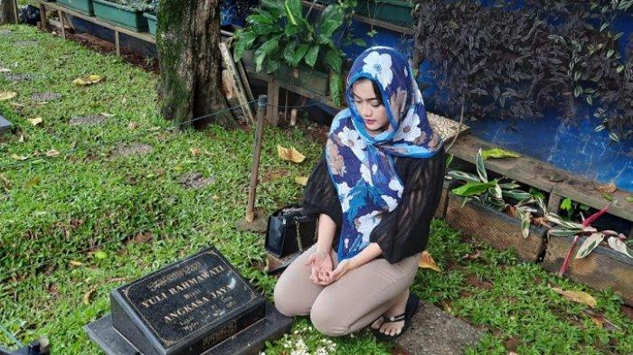 Takut Jadi Tempat Keramat, Nia Anggia Beranikan Diri Tempati Kamar Almarhumah Julia Perez