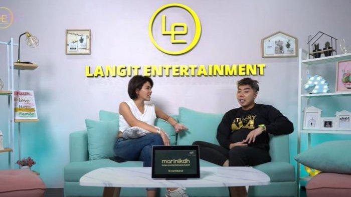 Nikita Mirzani dan Roy Kiyoshi dalam YouTube Langit Entertainment