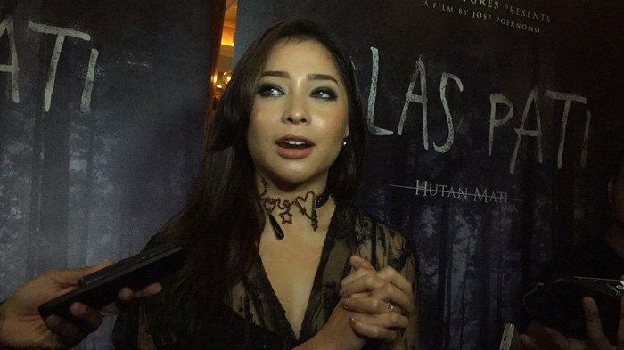 Nikita Willy Enggak Sangka Lihat Penampilannya di Poster Film Rasuk 2