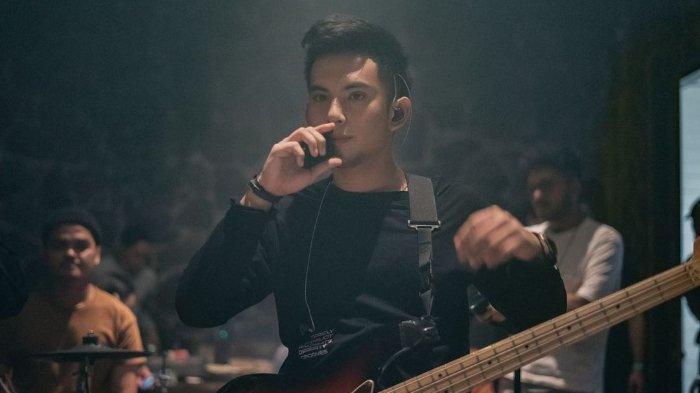 Beredar Video Niko Al Hakim Nangis Mainkan Lagu Terlalu Cinta, Ucap Ini saat Disinggung Nama Buna