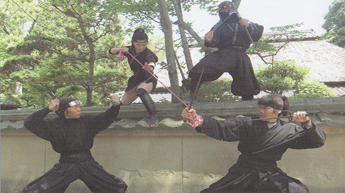 Para ninja sedang bertanding di Perfektur Mie Jepang.