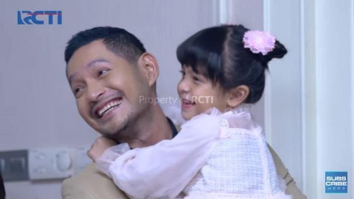 Nino mengajak Reyna untuk pergi ke rumahnya.
