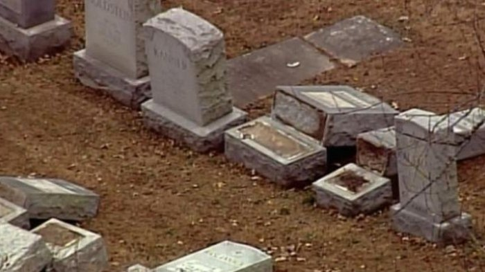 Perbaiki Pemakaman Yahudi, Muslim AS Kumpulkan Rp 1 Miliar
