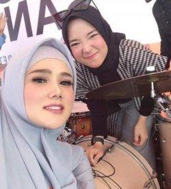 Nissa Sabyan dan Mulan Jameela
