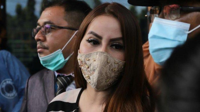 Nita Thalia ditemui di Pengadilan Agama Jakarta Utara, Jalan Raya Plumpang Semper, Jakarta Utara, Selasa (1/12/2020).