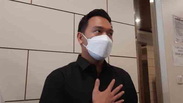 Michael Yukinobu De Fretes usai jalani wajib lapor di Subdit Cyber Crime Polda Metro Jaya, Kamis (14/1/2021).