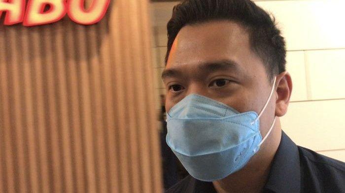 Pemeran pria dalam kasus video syur 19 detik, Michael Yukinobu de Fretes, mendatangi Subdit Cryber Crime Polda Metro Jaya, Senin (11/1/2021).