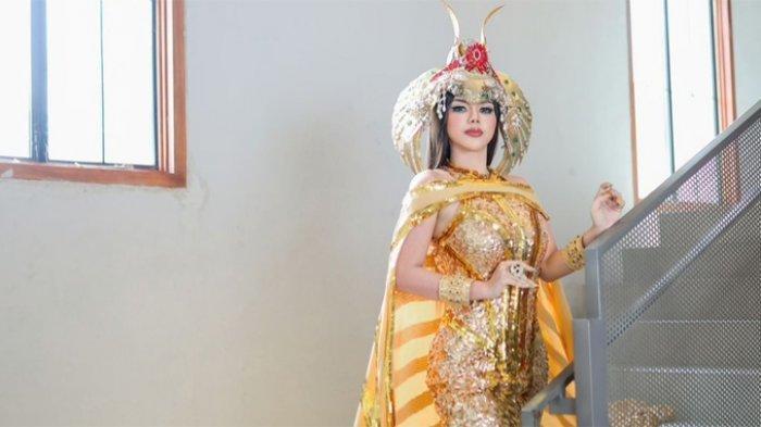 Novi Rizki baru saja merilis single terbarunya yang berjudul 'Mantan Sumo'.