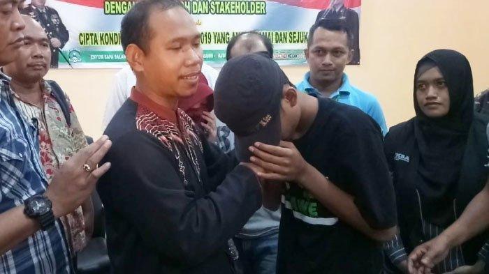 Ini Sikap Nur Khalim, Guru SMP di Gresik yang Dilecehkan Siswanya Setelah Videonya Viral