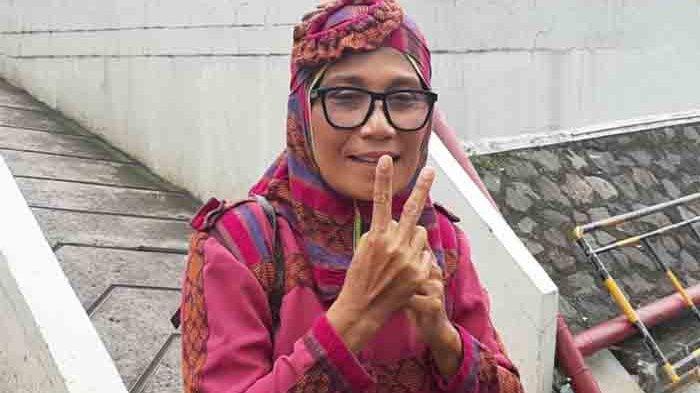 Nursyah ibunda bintang film Indah Permatasari  ketika ditemui di gedung Trans Tv, Jalan Kapten Tendean, Mampang Prapatan, Jakarta Selatan, Jumat (15/1/2021).