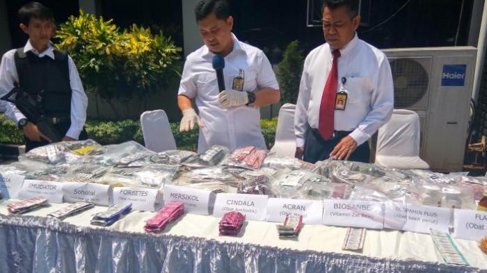 Jual Obat Kedaluwarsa, Pemilik Toko di Pasar Pramuka Ditetapkan Tersangka