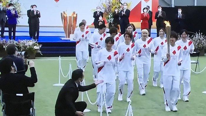 Estafet Obor Olimpiade Tokyo Dilepas Panitia Tanpa Kehadiran PM Jepang