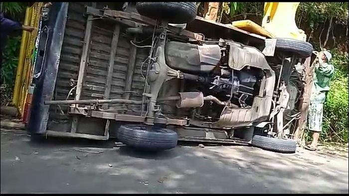Mobil Odong-odong Terguling di Ciamis, 13 Korban Dilarikan ke Tiga Rumah Sakit