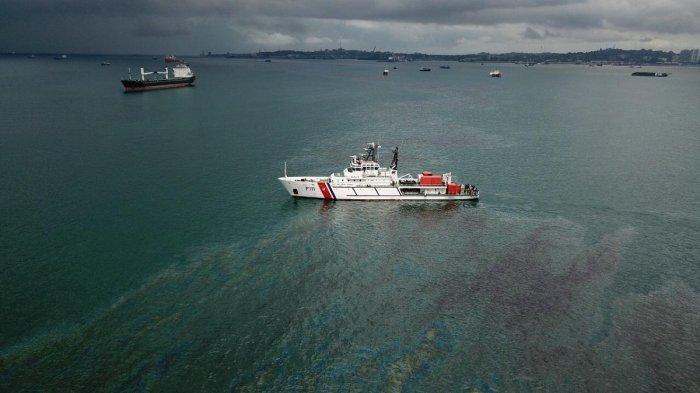 Ditjen Hubla - KPLP Gelar Oil Bom, Pasca Tenggelamnya Kapal Keruk King Richard X di Batu Ampar