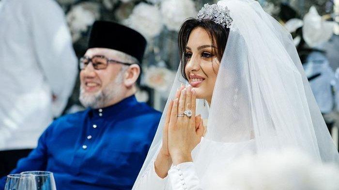 Oksana Voevodina saat menikah dengan Raja Malaysia..