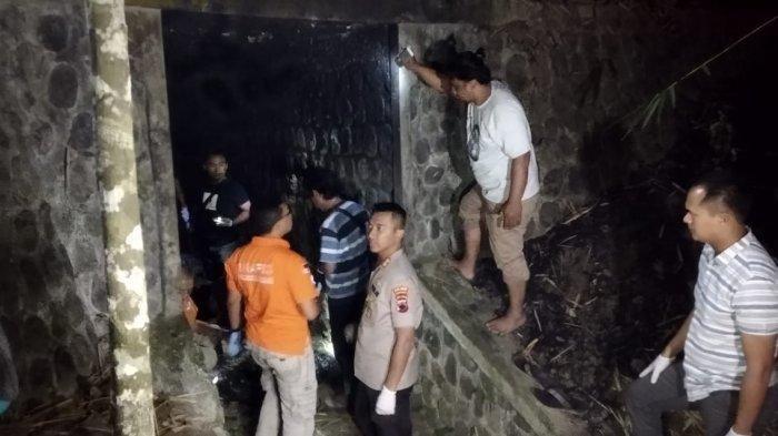 Kapolres Banyumas, AKBP Bambang Yudhantara saat melakukan olah TKP di lokasi pertama di daerah Gombong, Kebumen, Kamis (11/7/2019). TRIBUNJATENG/Permata Putra Sejati
