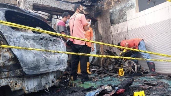 Rumah Pejabat di Tulungagung Terbakar, Dua Mobil Miliknya Tinggal Kerangka