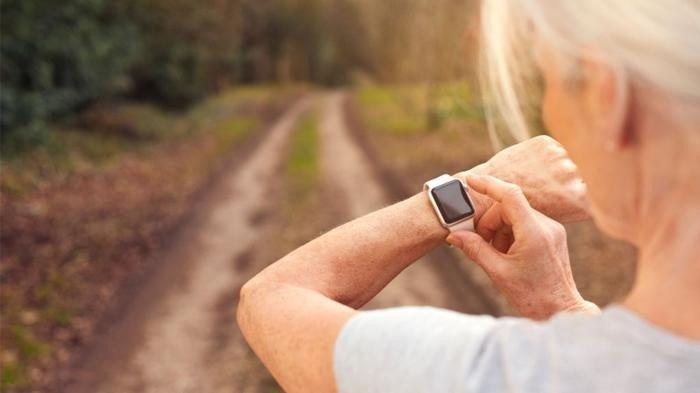 Olahraga untuk lansia cukup 30 menit per hari.