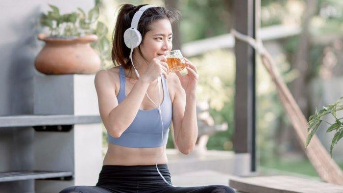 Olahraga untuk Perempuan yang Bisa Mengecilkan Perut Buncit, yuk Coba!