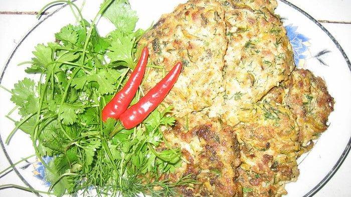 Fakta Unik Omelet Khas Vietnam yang Terbuat dari Cacing
