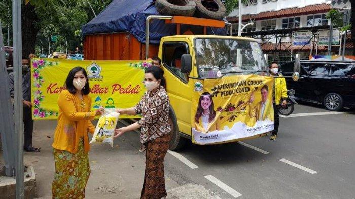 Lawan Corona, Ketua Komisi I DPR Meutya Hafid Sumbang 20 Ton Beras Melalui Perempuan Peduli Golkar